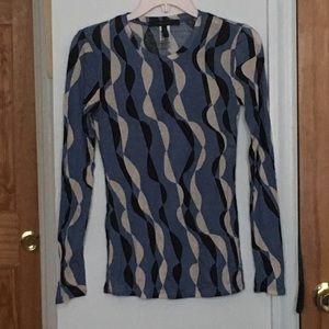 BCBG long sleeved retro print tee
